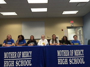 The seniors posing before they sign!