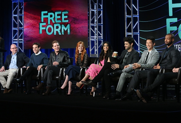shadowhunters-tv-show-news-showrunner-planned-season-2-plot-new-cast-to-join-the-series