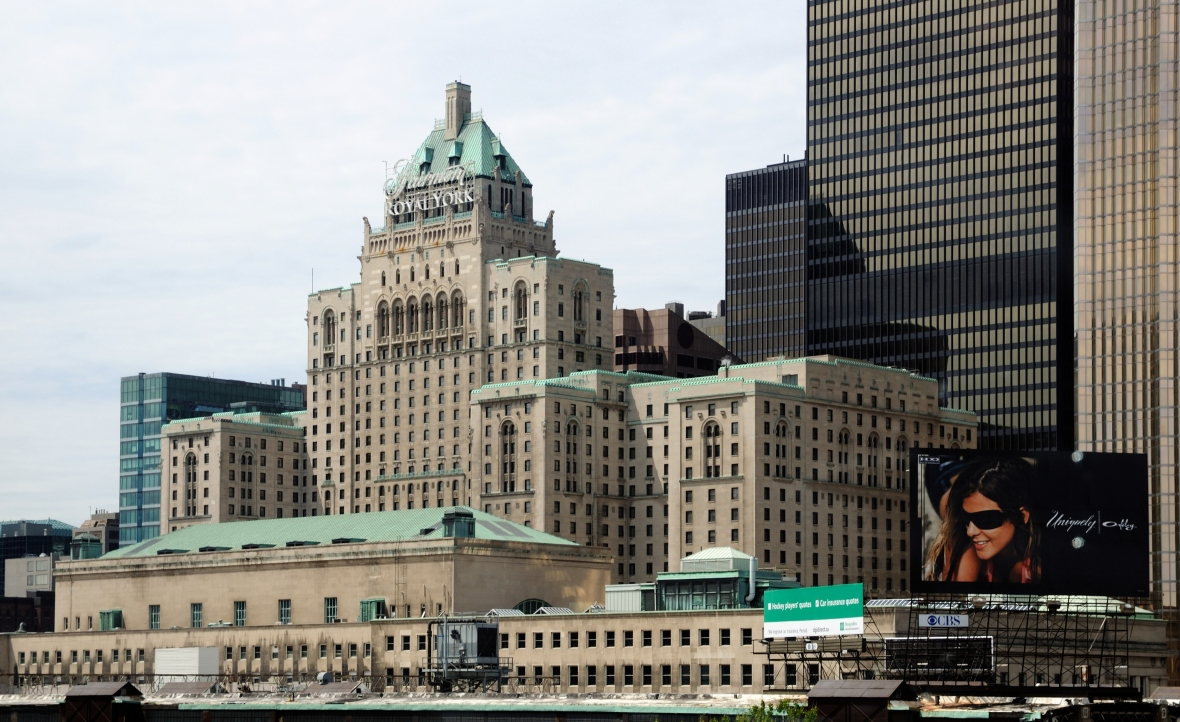 Toronto_-_ON_-_Royal_York_Hotel